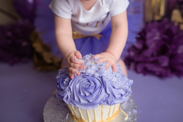 Lavender and Gold Cake Smash – Vancouver Photographer