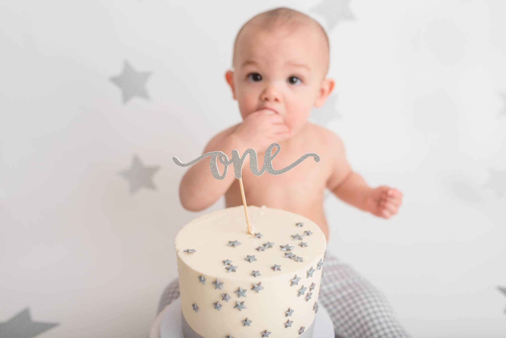 one-year old cake smash photo