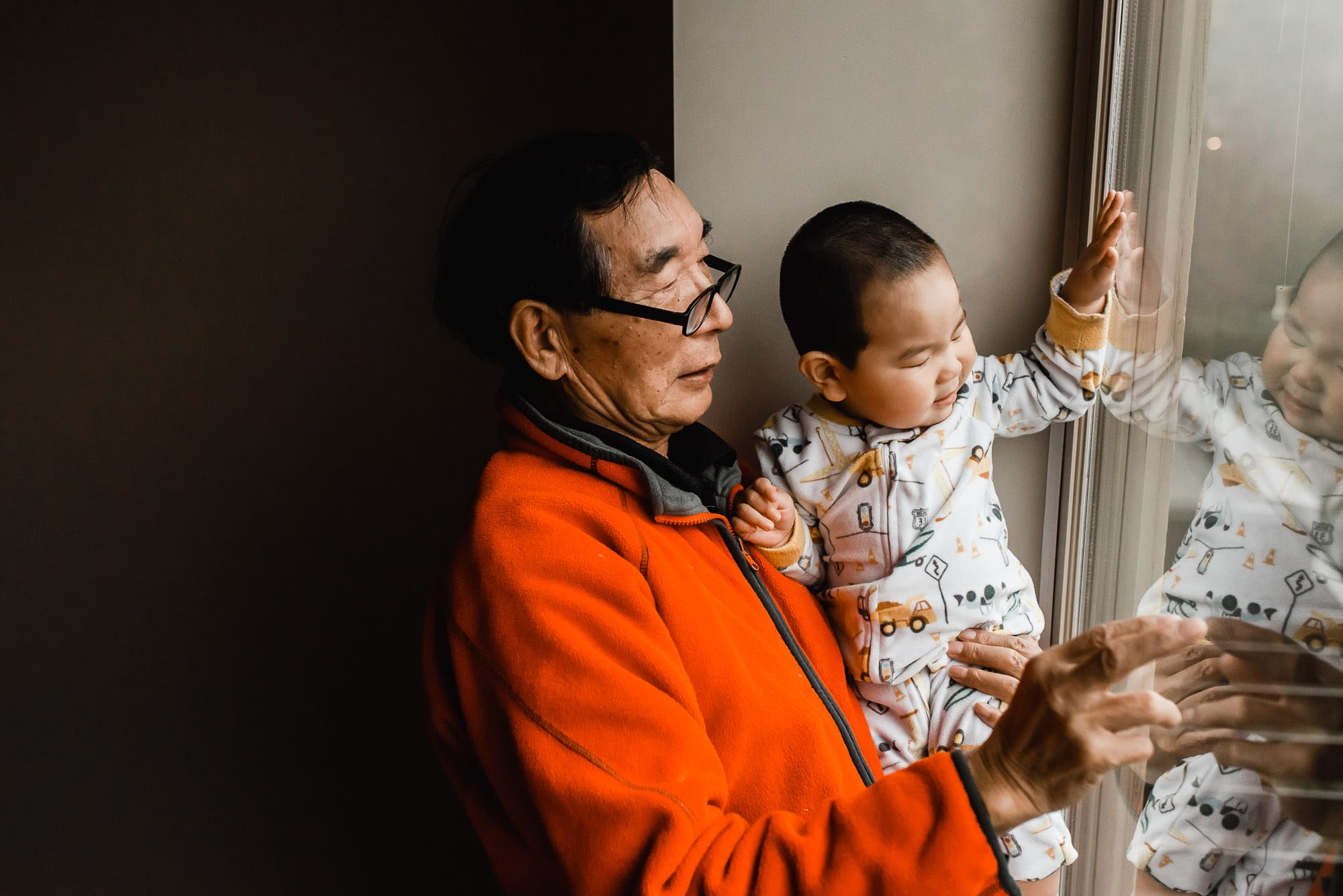 grandfather and grandson captured by Vancouver Family Photographer